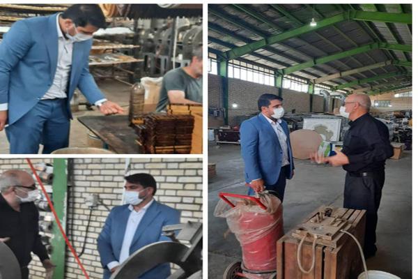 بازدید رئیس اداره صمت شهرستان بهارستان ازیک واحد تولیدی در شهرک صنعتی قلعه میر