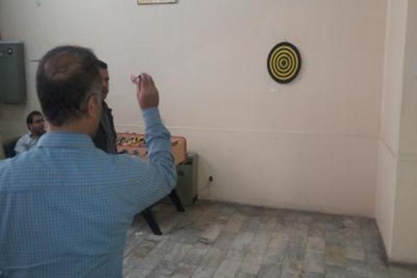 برگزاری مسابقات دارت و تیراندازی درسازمان صنعت، معدن وتجارت استان تهران